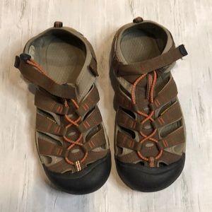 Keen waterproof Sandals. Men's/Boys Size 7.